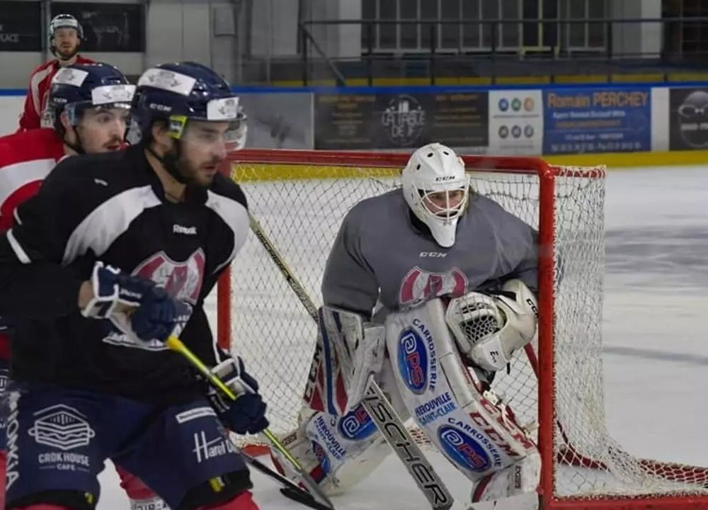 Goalie Charlotte Cagigos Skates a Rare Path in Men's Pro Hockey in France